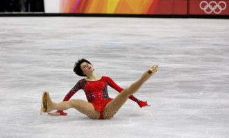 Slutskaya in unexpected reverie, '06 Olympics